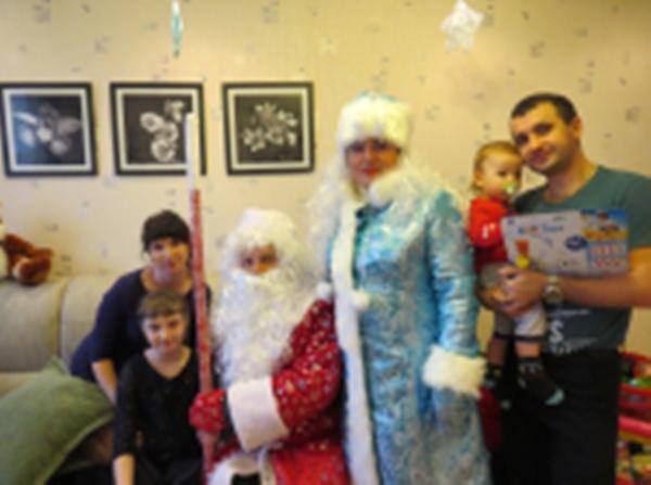 «Полицейский Дед Мороз» поздравил детей в Невьянске