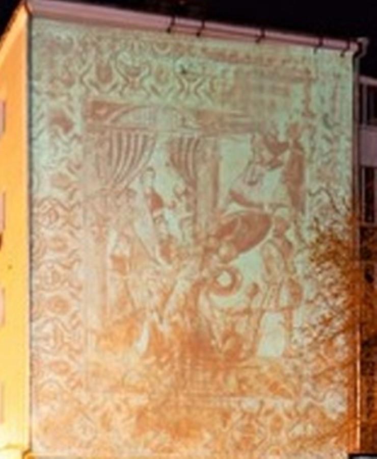 В Екатеринбурге нейросеть и робот нарисуют античную фреску на жилом доме