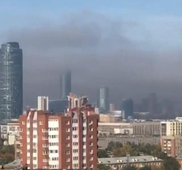 Утром Свердловскую область окутал густой туман