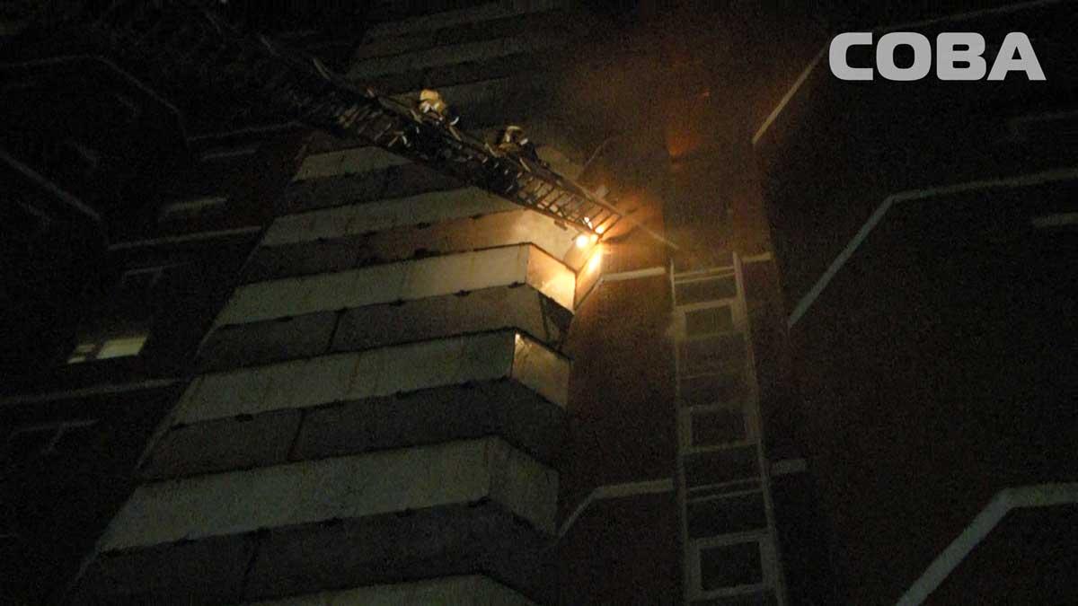 Ночью в доме на Сортировке горел мусоропровод. Спасено 58 человек
